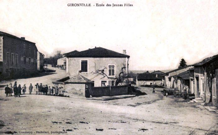 Ecole de filles de Gironville au début du 20ème siècle