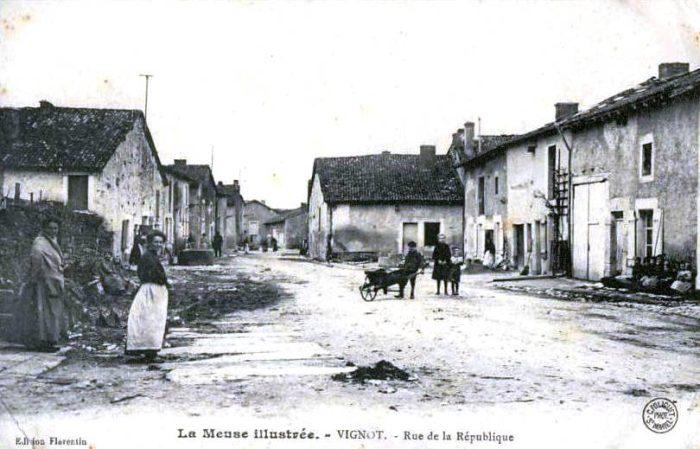 La rue de la République à Vignot (ancienne rue du Ruisseau)