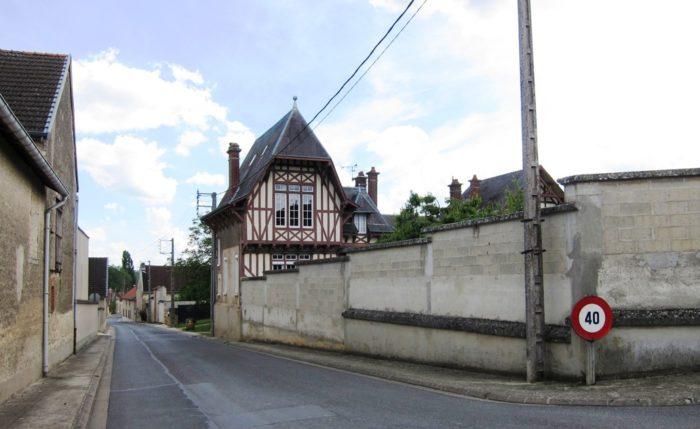 Le haut de la rue de Mocquebeau